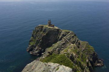 Руины маяка на острове Аскольд